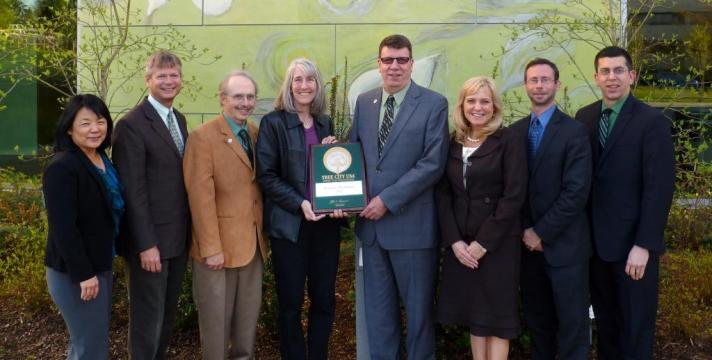 Shoreline Mayor Keith McGlashan and the City Council accepts the city's first Tree City USA award.